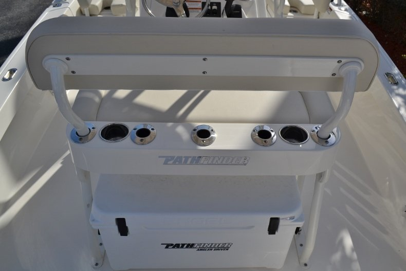 Thumbnail 9 for New 2019 Pathfinder 2200 TRS Bay Boat boat for sale in Vero Beach, FL