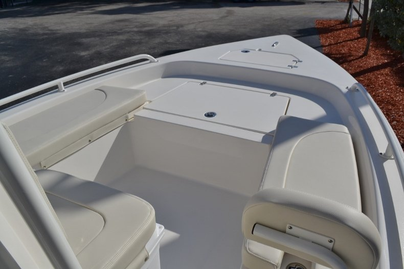 Thumbnail 12 for New 2019 Pathfinder 2200 TRS Bay Boat boat for sale in Vero Beach, FL