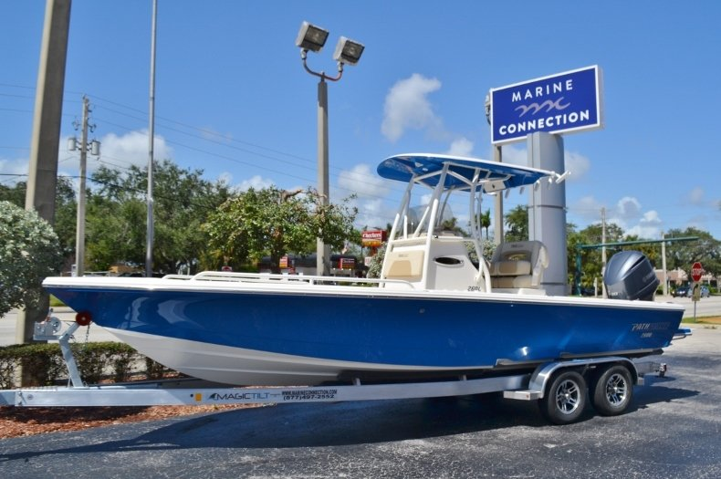 Thumbnail 0 for New 2019 Pathfinder 2600 TRS boat for sale in Vero Beach, FL