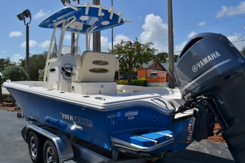 Thumbnail 3 for New 2019 Pathfinder 2600 TRS boat for sale in Vero Beach, FL