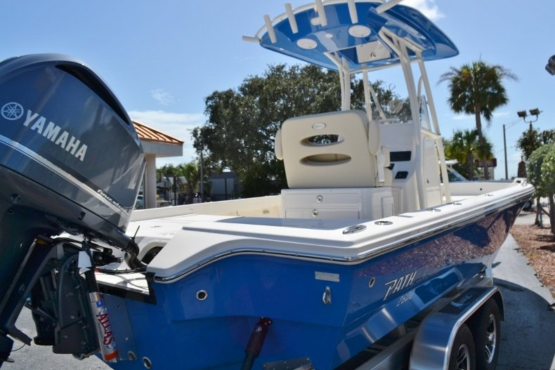 Thumbnail 5 for New 2019 Pathfinder 2600 TRS boat for sale in Vero Beach, FL