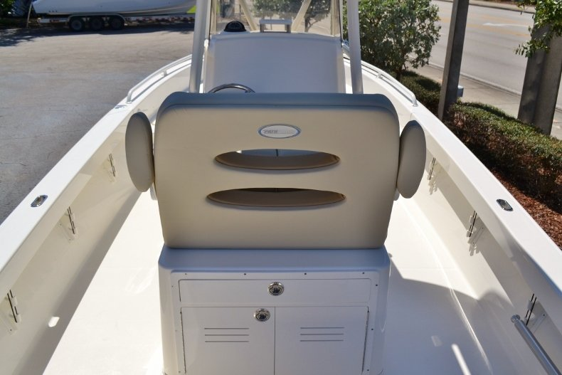 Thumbnail 9 for New 2019 Pathfinder 2600 TRS boat for sale in Vero Beach, FL