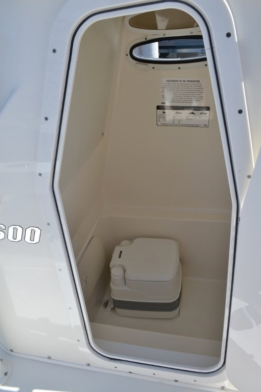 Thumbnail 22 for New 2019 Pathfinder 2600 TRS boat for sale in Vero Beach, FL