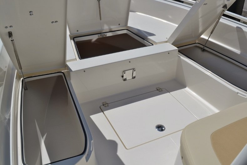 Thumbnail 25 for New 2019 Pathfinder 2600 TRS boat for sale in Vero Beach, FL