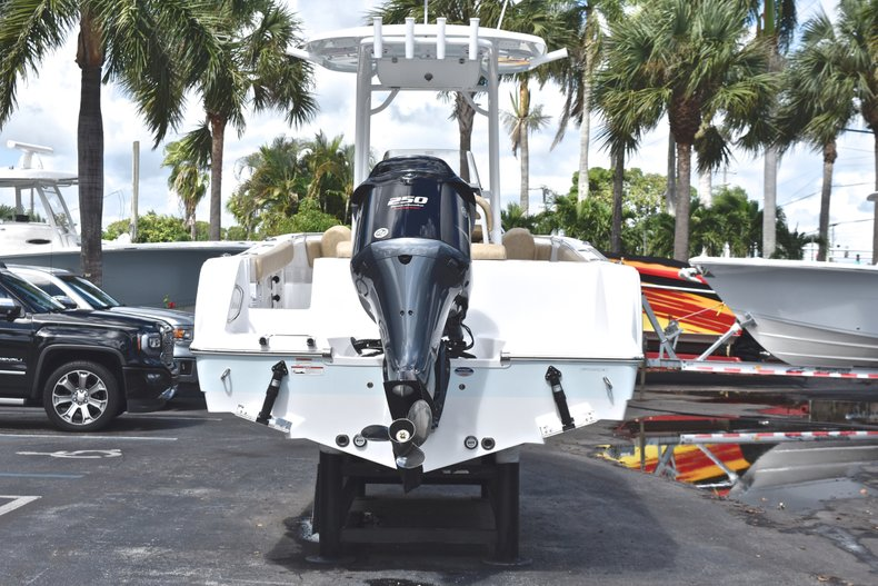 Thumbnail 6 for New 2019 Sportsman Open 232 Center Console boat for sale in Vero Beach, FL