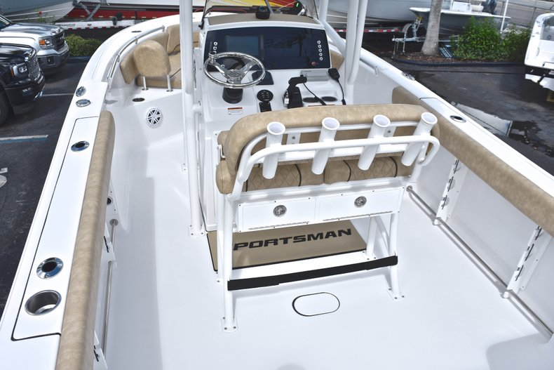 Thumbnail 10 for New 2019 Sportsman Open 232 Center Console boat for sale in Vero Beach, FL