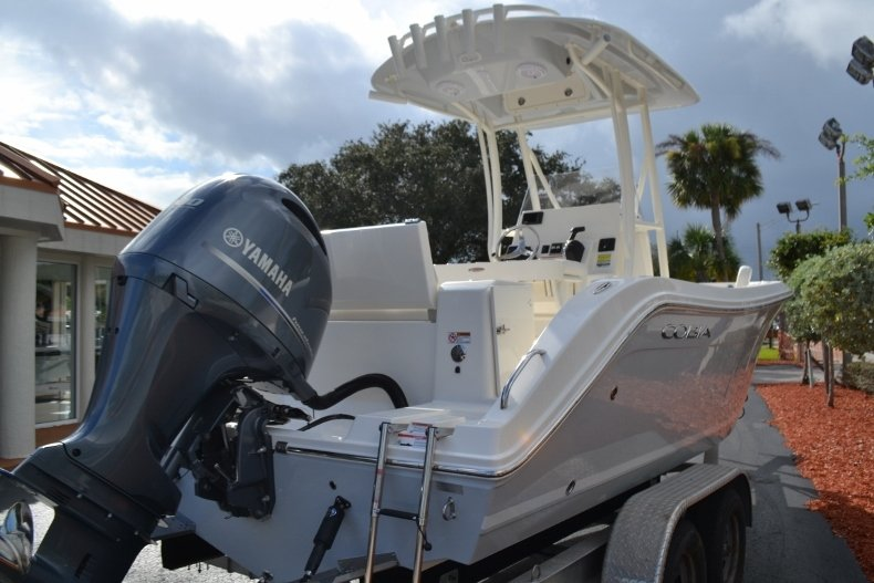 Thumbnail 5 for New 2019 Cobia 220 Center Console boat for sale in Vero Beach, FL