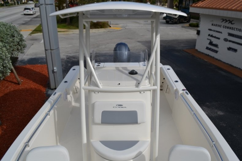 Thumbnail 16 for New 2019 Cobia 220 Center Console boat for sale in Vero Beach, FL
