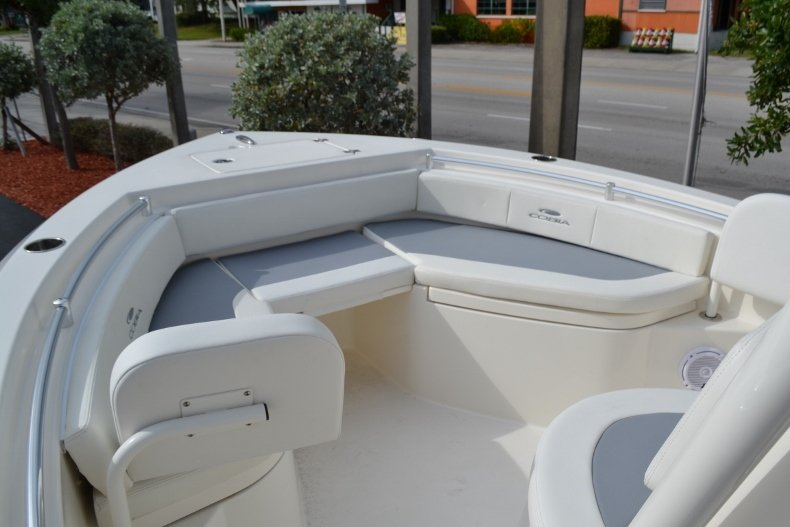 Thumbnail 14 for New 2019 Cobia 220 Center Console boat for sale in Vero Beach, FL