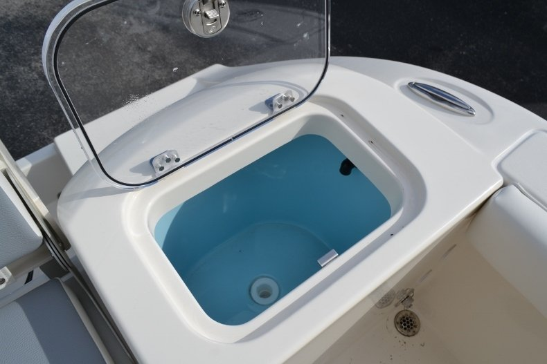 Thumbnail 23 for New 2019 Cobia 220 Center Console boat for sale in Vero Beach, FL