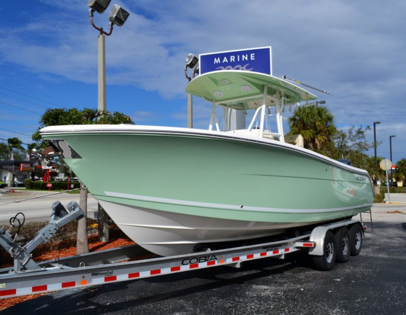 Thumbnail 1 for New 2019 Cobia 277 Center Console boat for sale in Vero Beach, FL