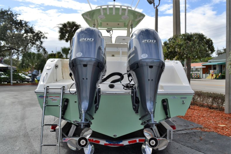 Thumbnail 4 for New 2019 Cobia 277 Center Console boat for sale in Vero Beach, FL