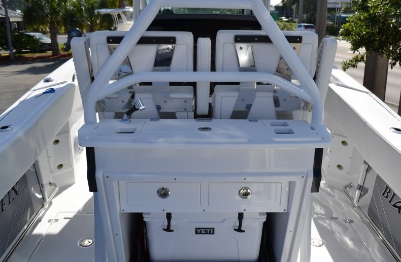 Thumbnail 13 for New 2019 Blackfin 272CC Center Console boat for sale in West Palm Beach, FL