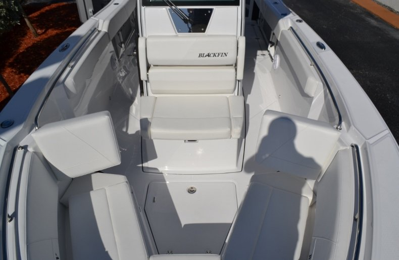 Thumbnail 19 for New 2019 Blackfin 272CC Center Console boat for sale in West Palm Beach, FL