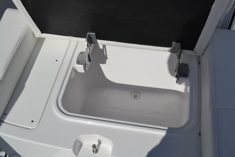 Thumbnail 20 for New 2019 Blackfin 272CC Center Console boat for sale in West Palm Beach, FL