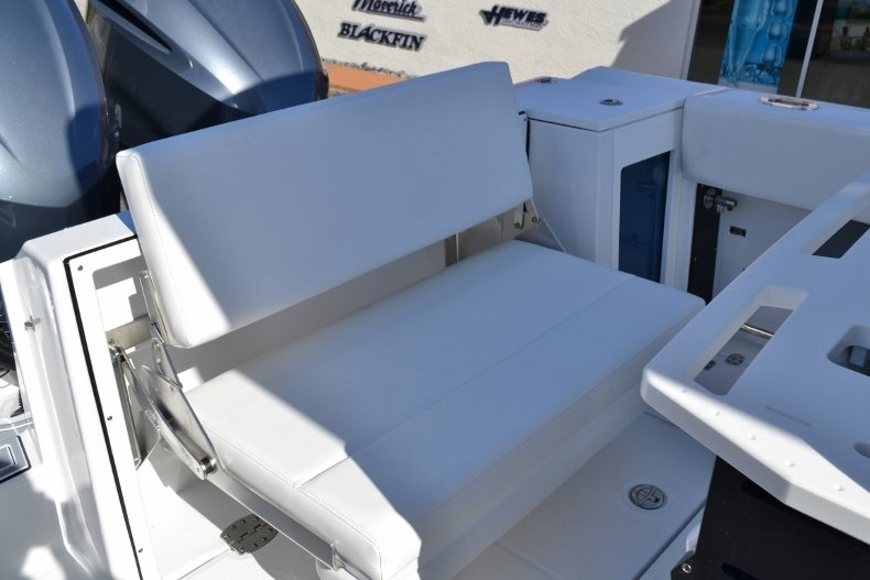 Thumbnail 27 for New 2019 Blackfin 272CC Center Console boat for sale in West Palm Beach, FL