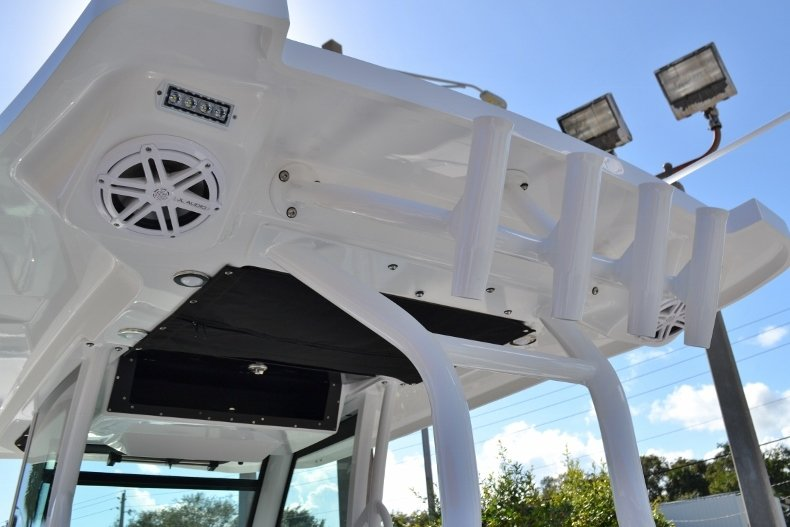 Thumbnail 33 for New 2019 Blackfin 272CC Center Console boat for sale in West Palm Beach, FL
