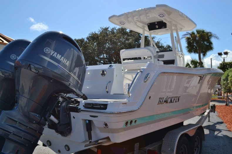 Thumbnail 5 for New 2019 Blackfin 242CC Center Console boat for sale in Vero Beach, FL