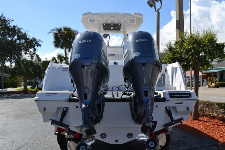 Thumbnail 4 for New 2019 Blackfin 242CC Center Console boat for sale in Vero Beach, FL
