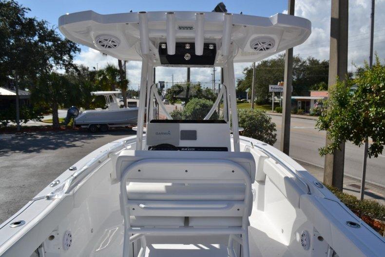Thumbnail 10 for New 2019 Blackfin 242CC Center Console boat for sale in Vero Beach, FL
