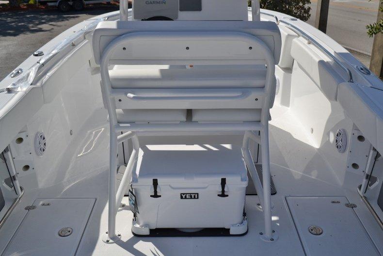 Thumbnail 11 for New 2019 Blackfin 242CC Center Console boat for sale in Vero Beach, FL