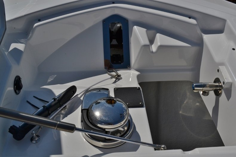 Thumbnail 17 for New 2019 Blackfin 242CC Center Console boat for sale in Vero Beach, FL