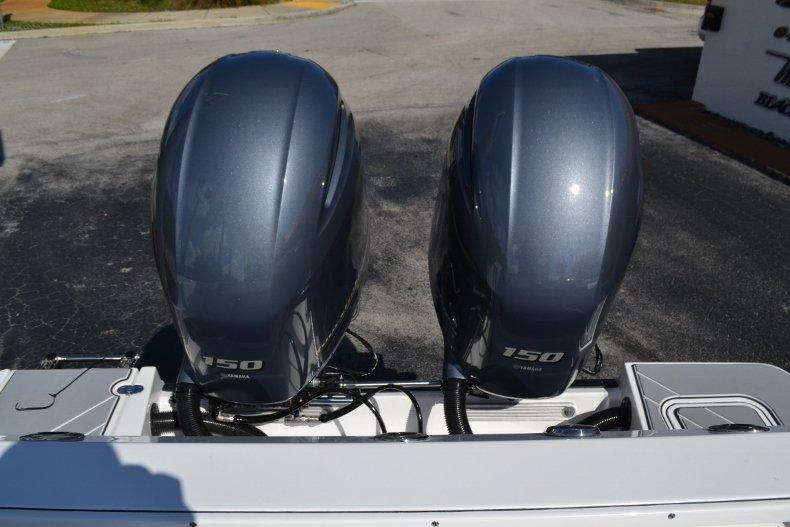 Thumbnail 26 for New 2019 Blackfin 242CC Center Console boat for sale in Vero Beach, FL