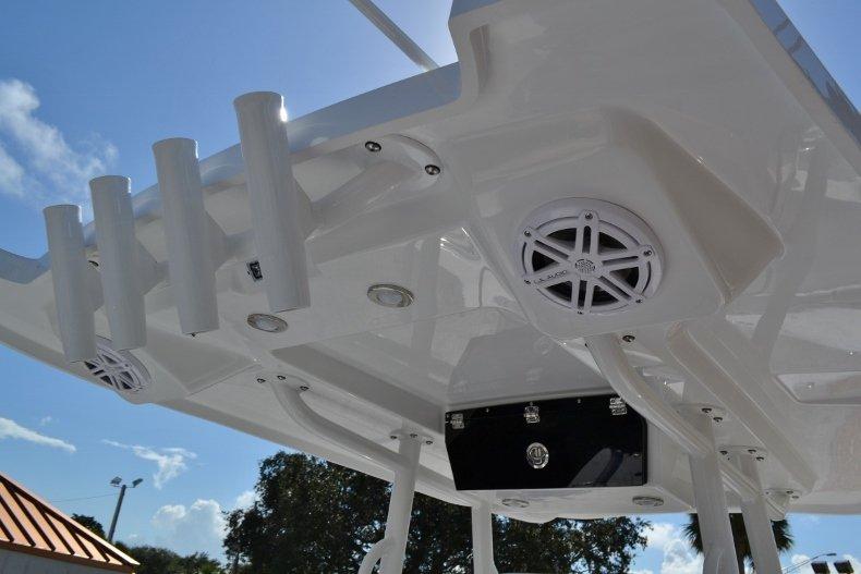 Thumbnail 30 for New 2019 Blackfin 242CC Center Console boat for sale in Vero Beach, FL