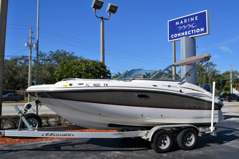 Image 0 for 2013 Hurricane SunDeck SD 2000 OB in Vero Beach, FL