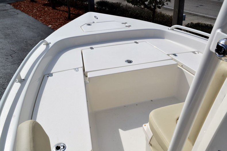 Thumbnail 11 for New 2019 Pathfinder 2200 TRS Bay Boat boat for sale in Vero Beach, FL