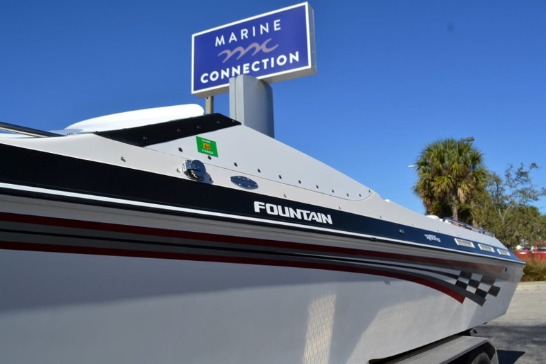 Thumbnail 6 for Used 2000 Fountain 38 Fever boat for sale in Vero Beach, FL