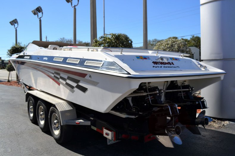 Thumbnail 3 for Used 2000 Fountain 38 Fever boat for sale in Vero Beach, FL