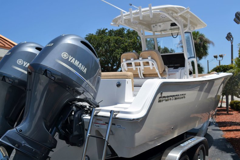 Thumbnail 6 for New 2019 Sportsman Heritage 251 Center Console boat for sale in Vero Beach, FL