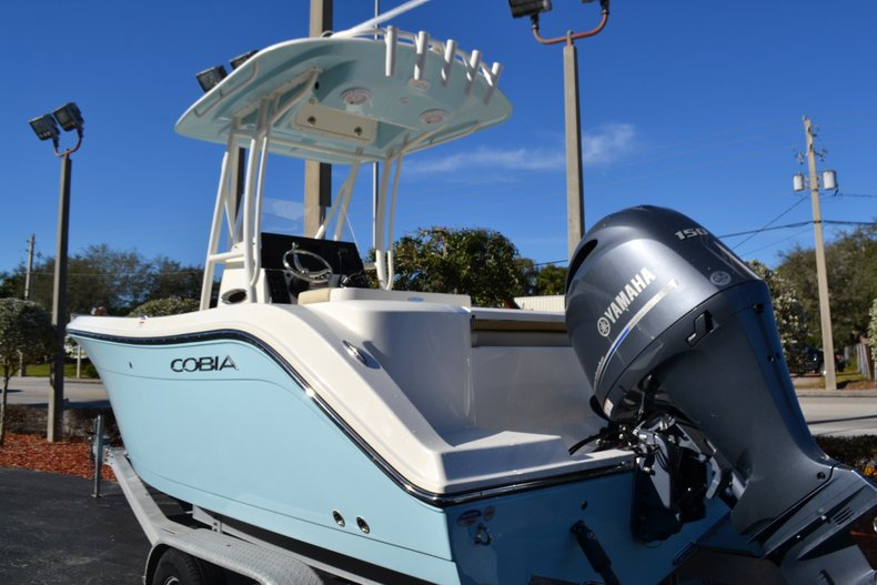 Thumbnail 3 for New 2019 Cobia 201 Center Console boat for sale in Vero Beach, FL
