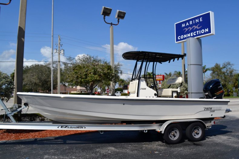 Image 0 for 2019 Pathfinder 2400 TRS Bay Boat in Vero Beach, FL