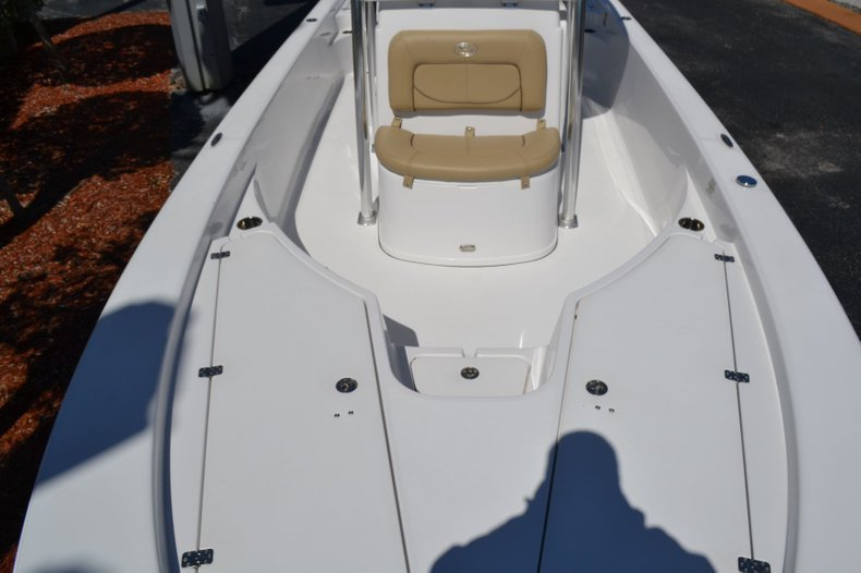 Thumbnail 20 for Used 2014 Sportsman Masters 247 Bay Boat boat for sale in Vero Beach, FL