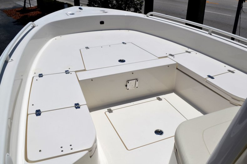 Thumbnail 13 for New 2019 Pathfinder 2600 TRS boat for sale in Vero Beach, FL