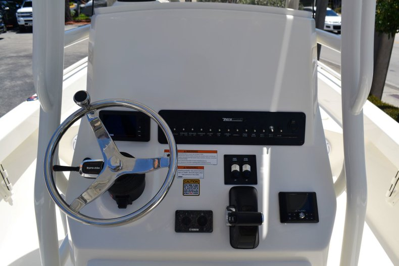 Thumbnail 12 for New 2019 Pathfinder 2600 TRS boat for sale in Vero Beach, FL