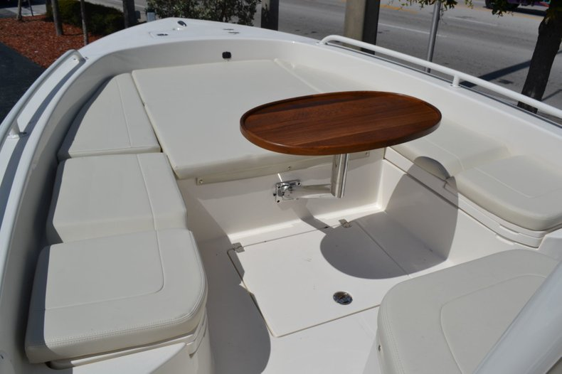 Thumbnail 17 for New 2019 Pathfinder 2600 TRS boat for sale in Vero Beach, FL