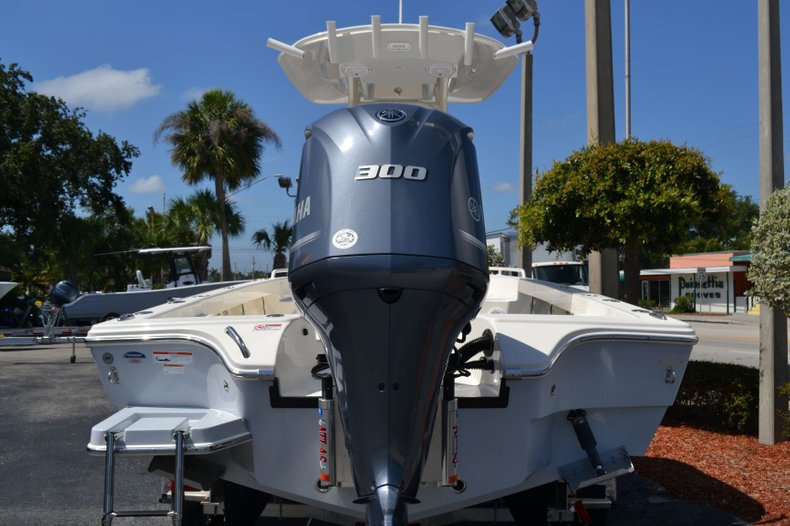 Thumbnail 4 for New 2019 Pathfinder 2600 TRS boat for sale in Vero Beach, FL