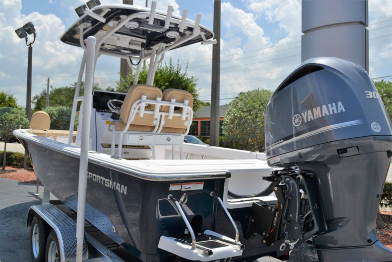 Thumbnail 4 for New 2019 Sportsman Masters 247 Bay Boat boat for sale in Vero Beach, FL