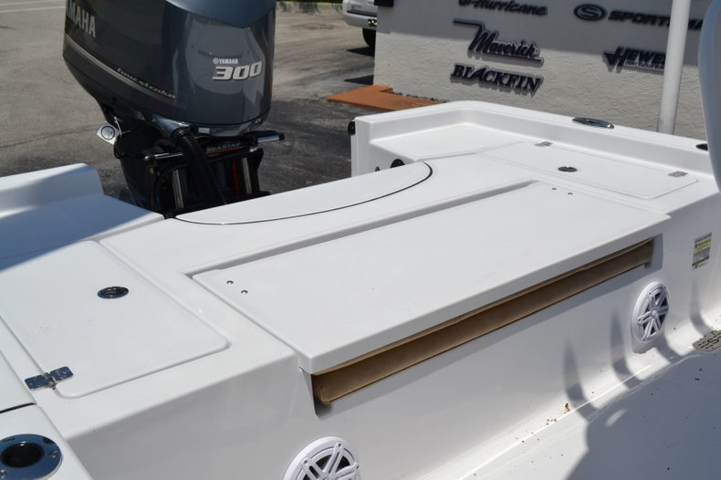Thumbnail 18 for New 2019 Sportsman Masters 247 Bay Boat boat for sale in Miami, FL