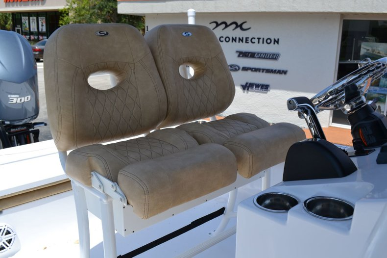 Thumbnail 17 for New 2019 Sportsman Masters 247 Bay Boat boat for sale in Vero Beach, FL