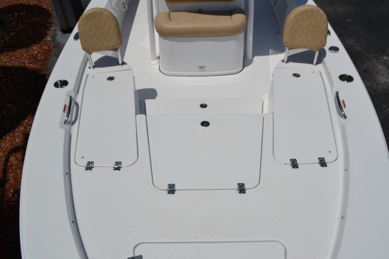 Thumbnail 26 for New 2019 Sportsman Masters 247 Bay Boat boat for sale in Vero Beach, FL
