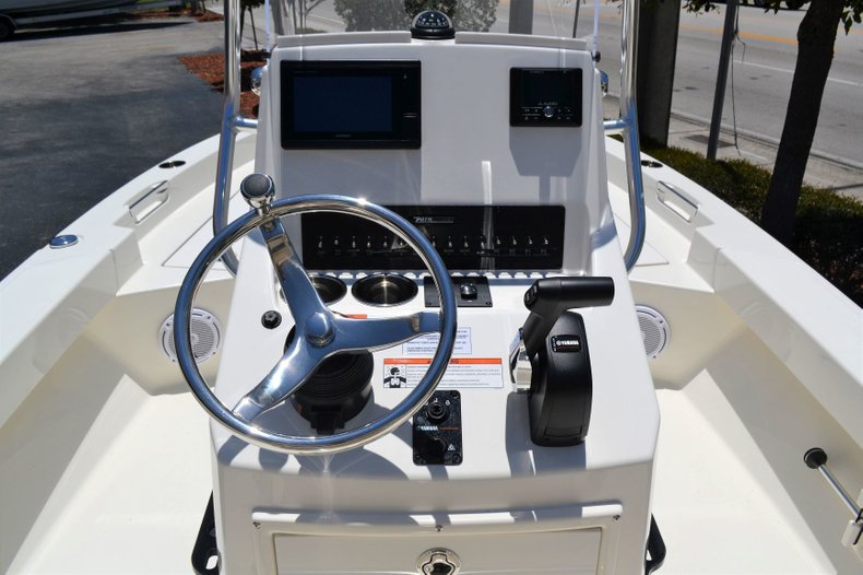 Thumbnail 10 for New 2019 Pathfinder 2005 TRS boat for sale in Vero Beach, FL