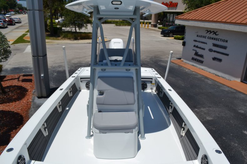 Thumbnail 18 for Used 2018 Pathfinder 2500 Hybrid boat for sale in Vero Beach, FL