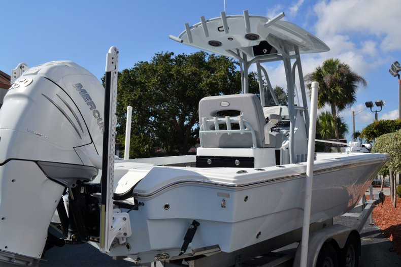 Thumbnail 5 for Used 2018 Pathfinder 2500 Hybrid boat for sale in Vero Beach, FL