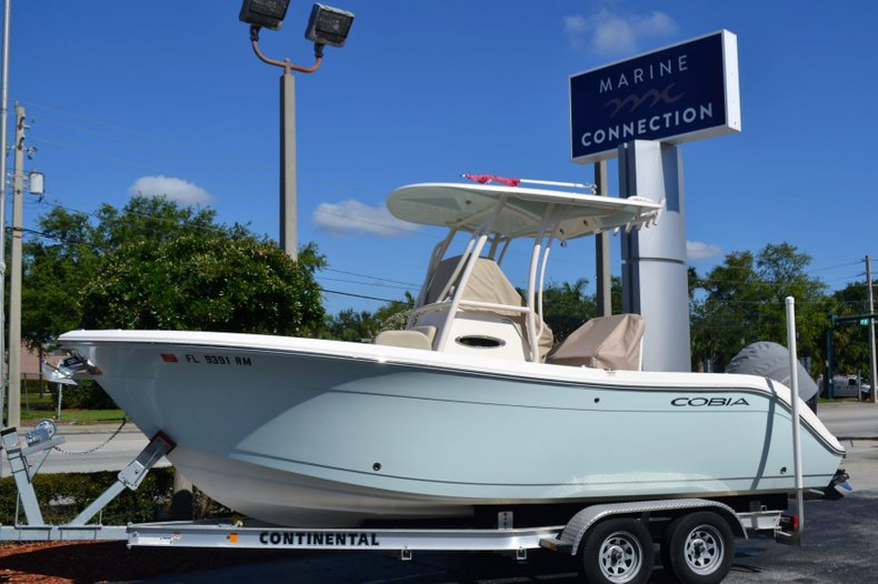 Thumbnail 9 for Used 2018 Cobia 220 Center Console boat for sale in Vero Beach, FL