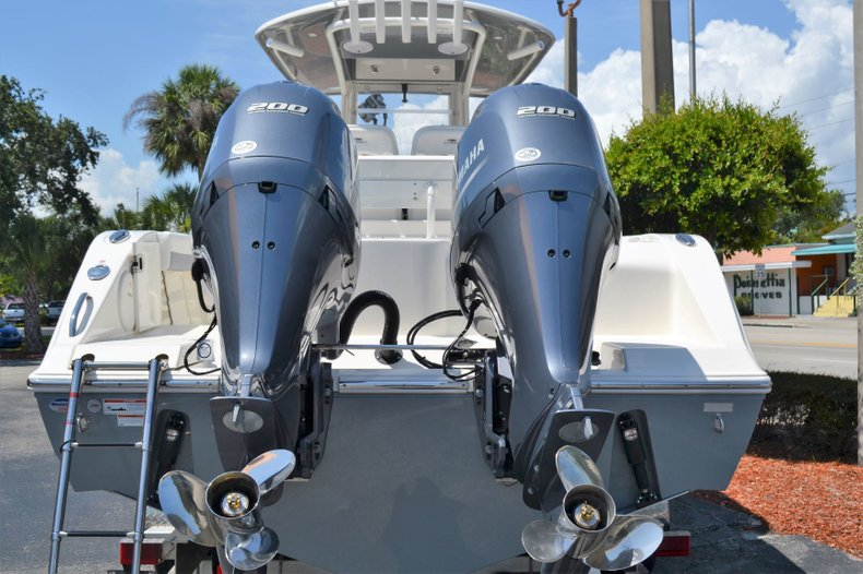 Thumbnail 4 for New 2019 Cobia 280 Center Console boat for sale in Vero Beach, FL