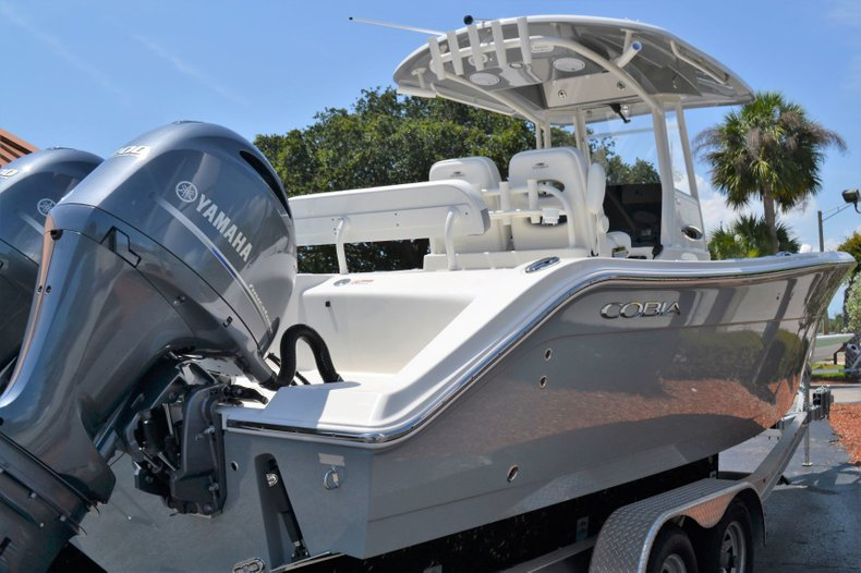 Thumbnail 5 for New 2019 Cobia 280 Center Console boat for sale in Vero Beach, FL